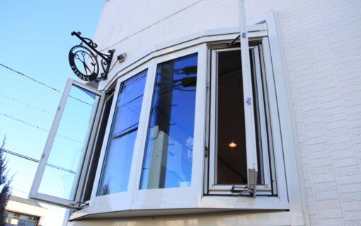 出窓をリフォーム致しました。
